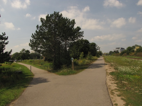 Laurel Trail and Parking Trail